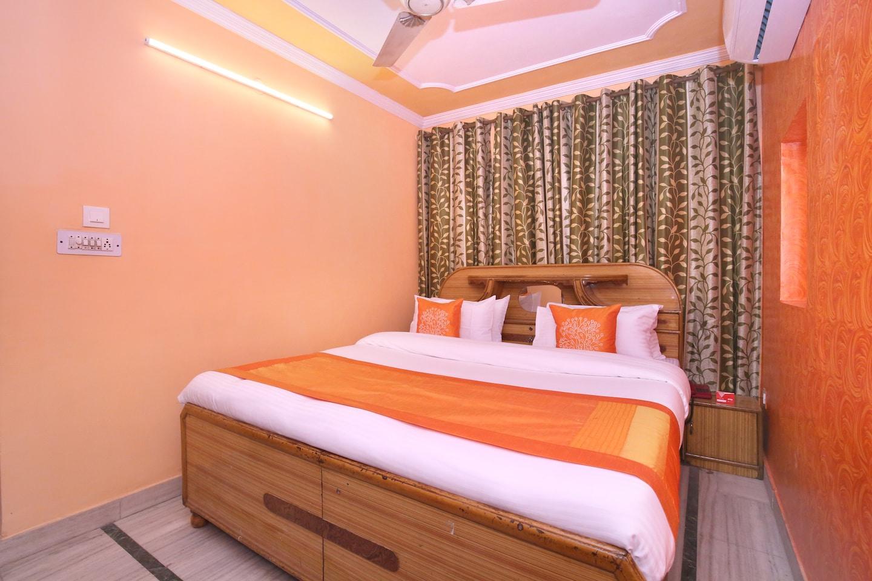 OYO 10384 Hotel Rajesh Palace -1