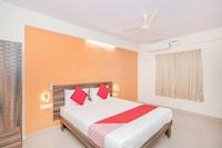 OYO 10475 PMR Hotel
