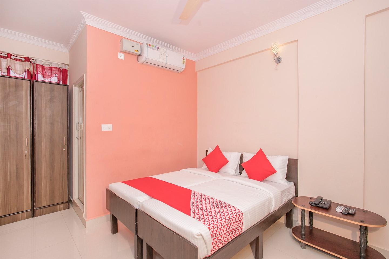 OYO 10363 Sri Balaji Guest House -1