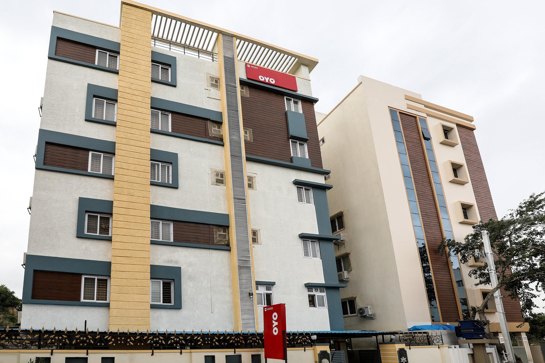 OYO 10595 Hotel Mirras