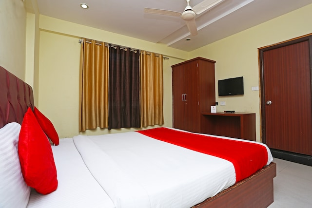 OYO 1405 Hotel Majestic International