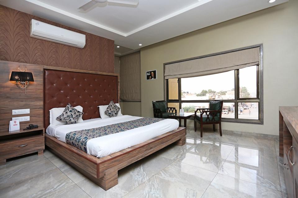OYO 10226 Hotel Surya Palace, Durg, Bhilai