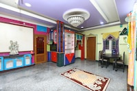 OYO Home 10498 Classic 3BHK