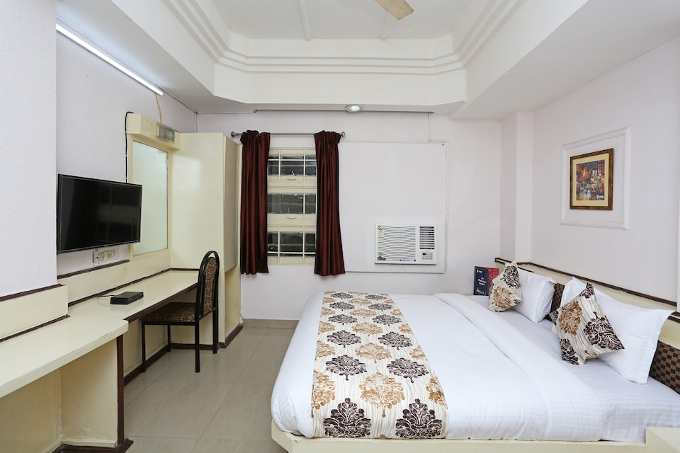OYO 10264 Hotel Midtown, Jaistambh Chowk, Raipur