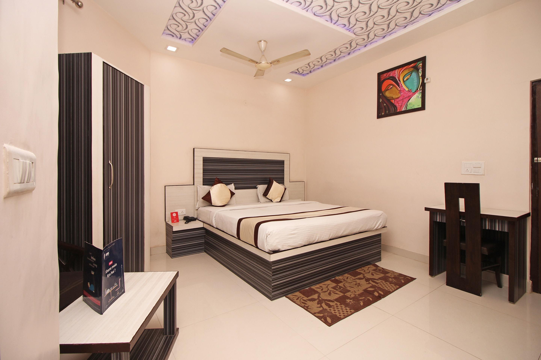 OYO 3202 Hotel Gayatri Residency