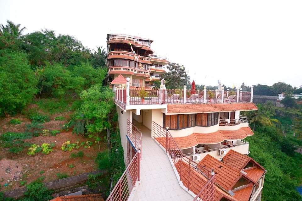 OYO 10702 Hill & Sea View Ayurvedic Beach Resort, Kovalam Kerala, Kovalam