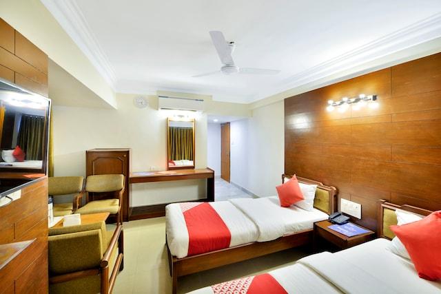 OYO 10197 Hotel Apex