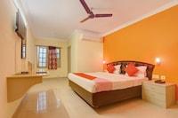 OYO 10596 Hotel Indu