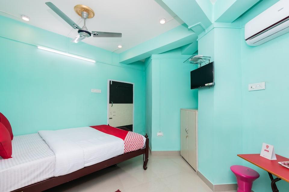 OYO 10471 Hotel Samrat Palace