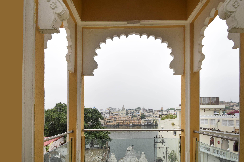 OYO 1422 Hotel Mandiram Palace