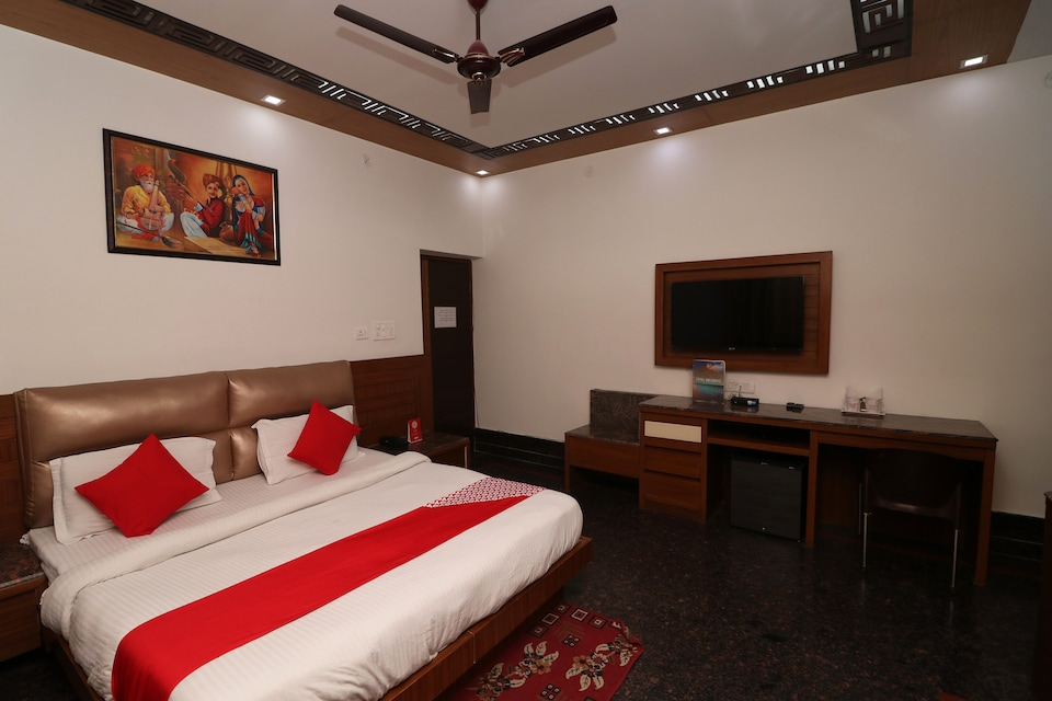 Capital O 10448 Green View Home Stay