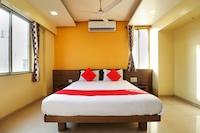 OYO 10679 Hotel Nanashree Executive