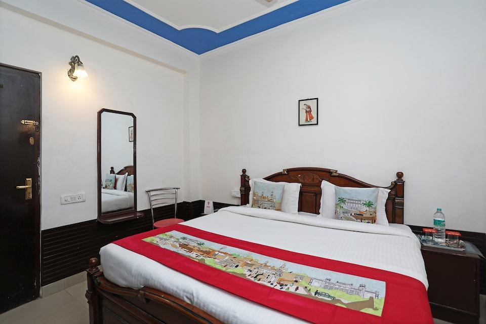 OYO 10500 Hotel DSR