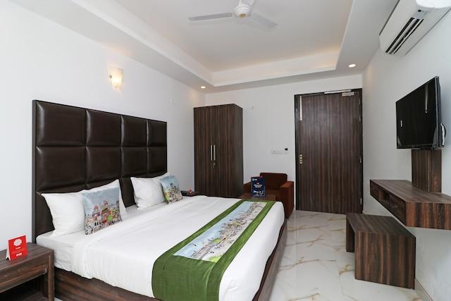 OYO 10274 Hotel Aamara