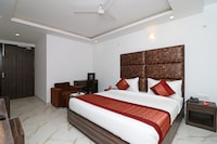 OYO 10274 Hotel Aamara Deluxe
