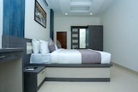 OYO 10278 Hotel Caprice Residency