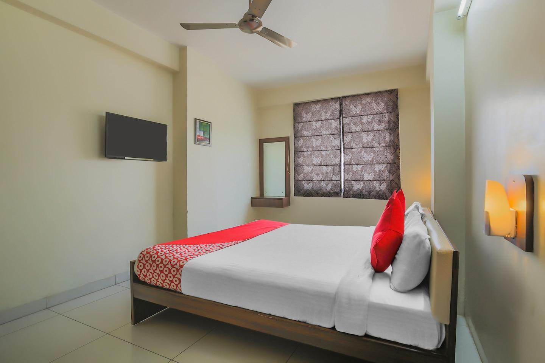 OYO 14427 Hotel RK Palace -1