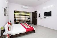 OYO Home 10298 Sukhadia Circle