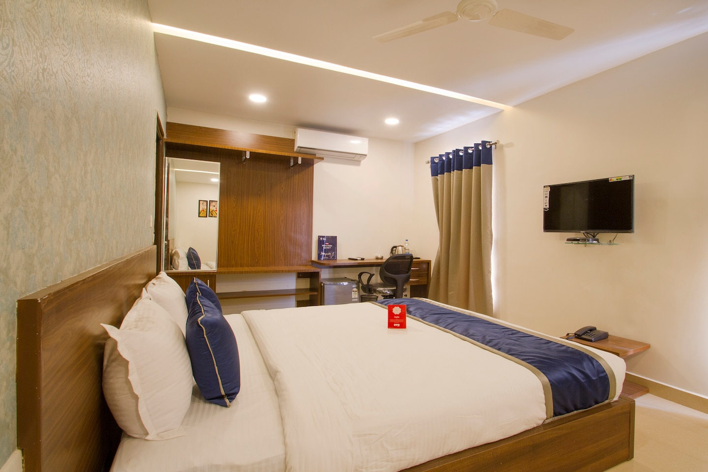OYO 10434 SSR Royal Suites Hyderabad - Hyderabad Hotel