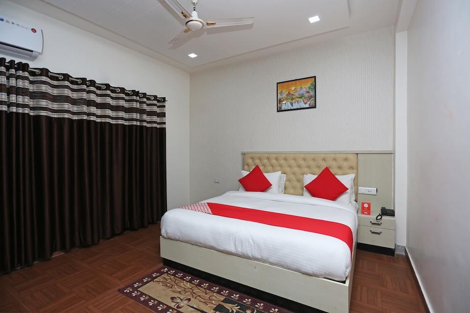 OYO 10536 Hotel Raj Rani