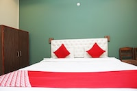OYO 10707 Hotel Gokul Grand