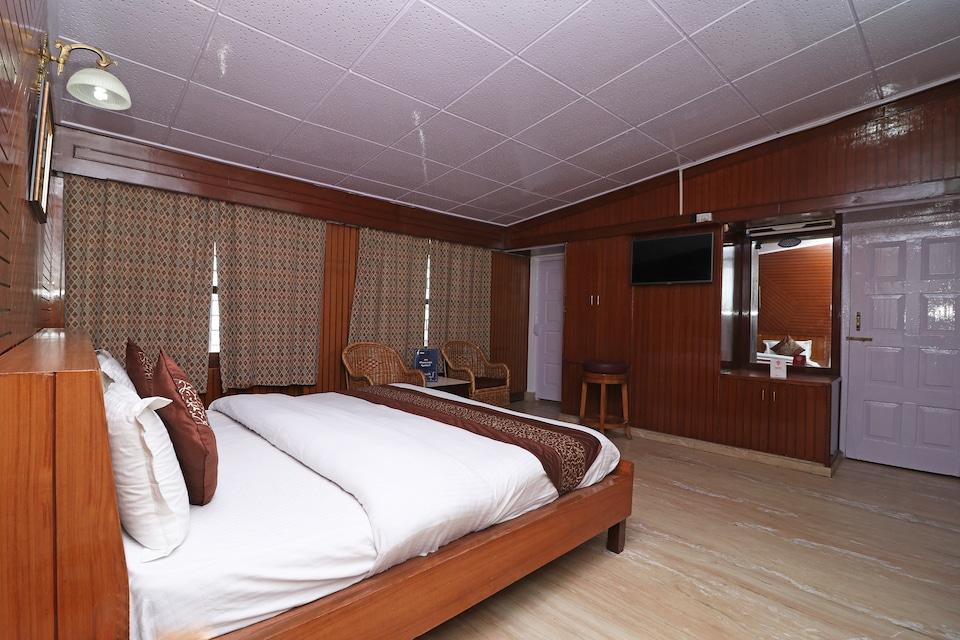 OYO 10653 Hotel Clark