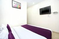 OYO 8766 Hotel DS Regency