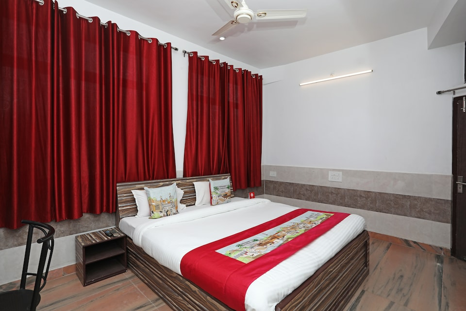 OYO 10610 Anand Guest House