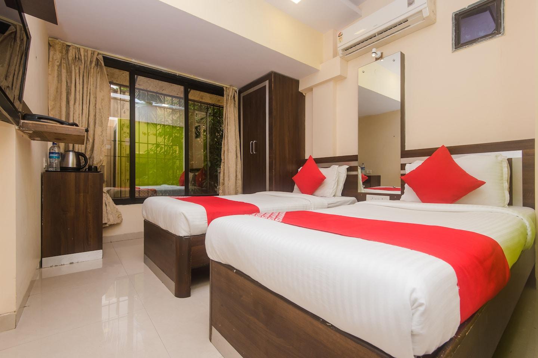 OYO 1453 Hotel Daisy Residency -1