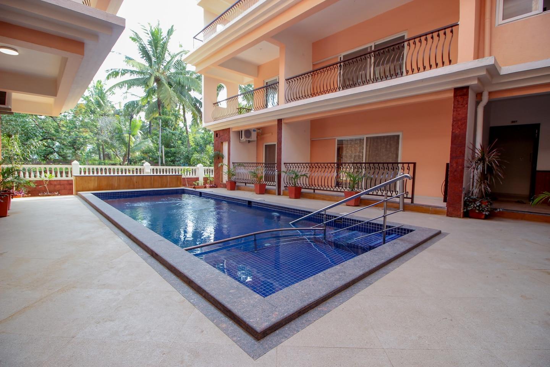 OYO 10803 Home 2BHK Poolside Siolim -1