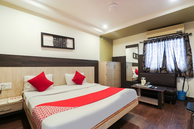 OYO 10745 Hotel Tuli's