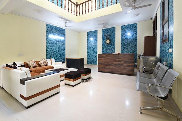 OYO 10747 Vashu Residency