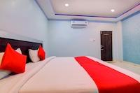 OYO 10811 Sri Sairam Residency