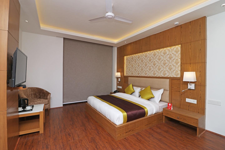 OYO 10824 Hotel Star Suites -1