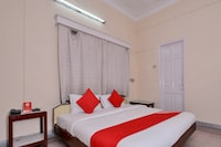 OYO 10826 Sona Guest House