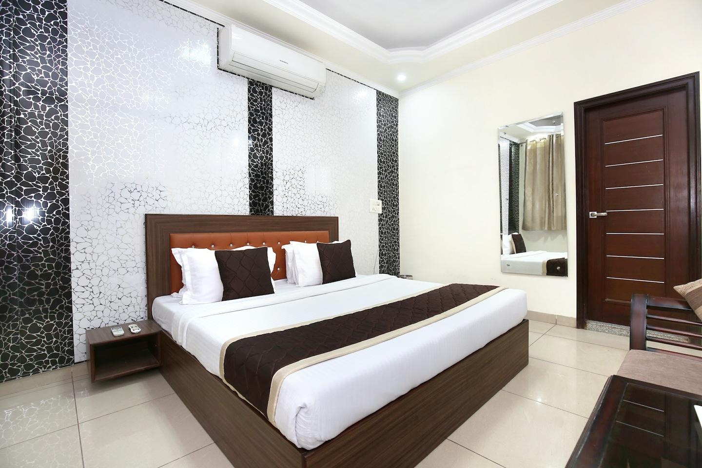 OYO 10832 Hotel JB 2 -1