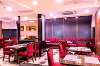 OYO Premium 145 Domestic Airport Nehru Road