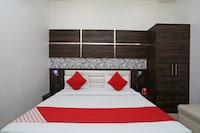 OYO 10842 Hotel Anjali Mahal
