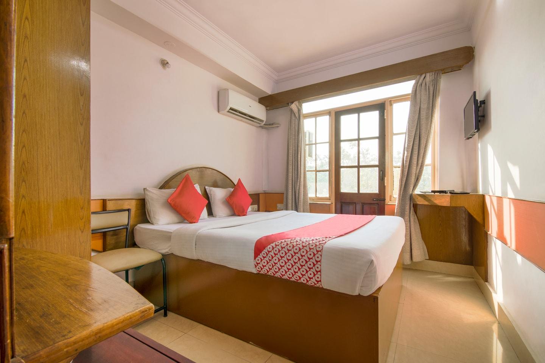 OYO 10885 Hotel Keerthana International -1