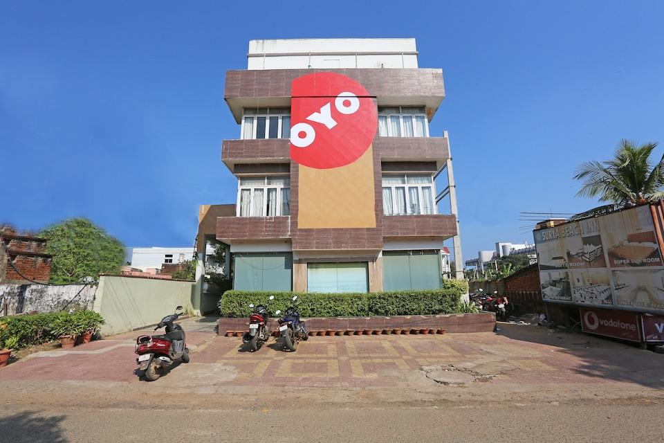 Capital O 1463 Surya Beach Inn