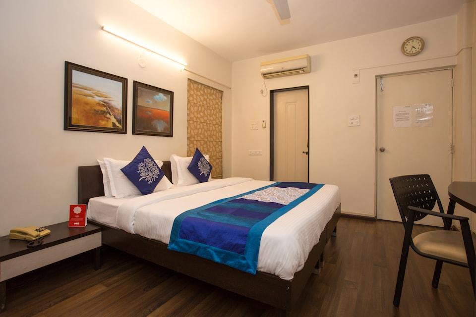 OYO 10934 Hotel Eminent