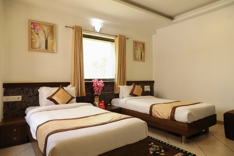 OYO 10943 Hotel Plus Corporate, Butiburi Nagpur, Nagpur
