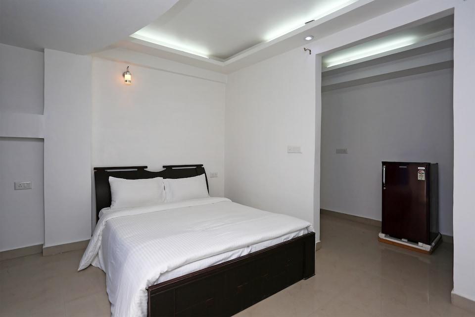 OYO Home 10948 Elegant 1bhk Apartments