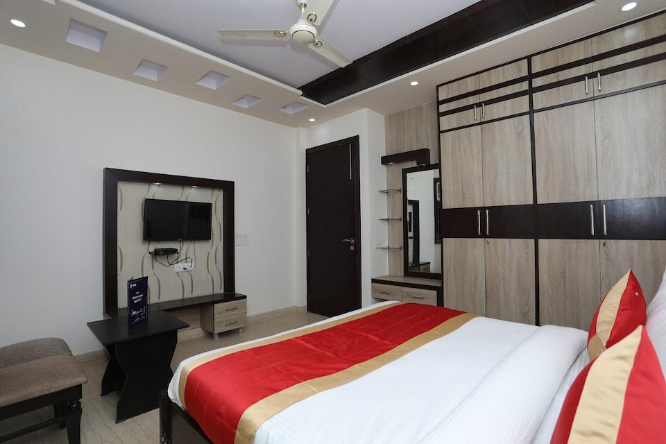 OYO 10960 Hotel Royal India