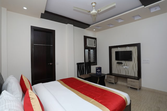OYO 10960 Hotel Royal India