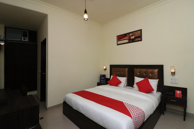 OYO 389 Hotel Applee Inn -1
