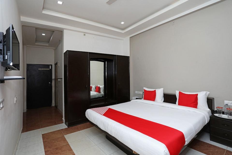 OYO 10967 Dhola Maru Resort