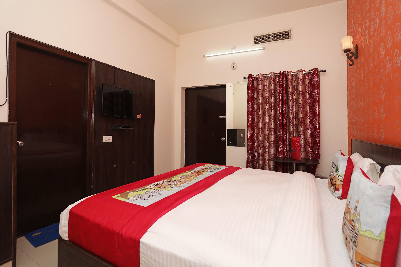 OYO 11041 Hotel Taj Ansh