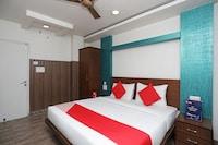 OYO 11061 Hotel Awesome