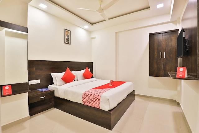 OYO 11072 Hotel Kajri Residency